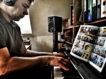 Tasten-Tour: Andreas findet neue Akkorde für ein bestehendes Lied.
